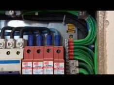 Instalação de dispositivo contra surtos atmosféric