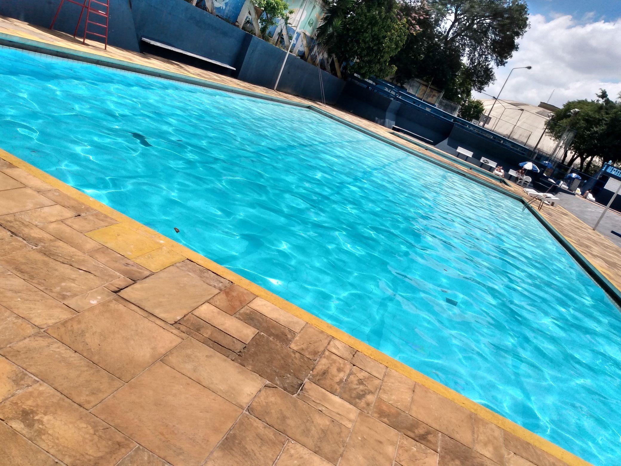 piscina serviço concluído