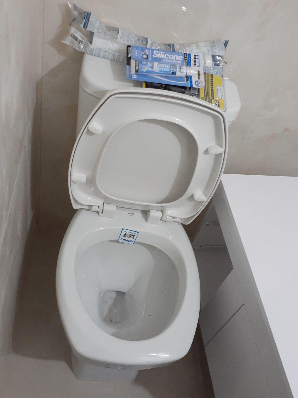 Instalação de vaso sanitário.